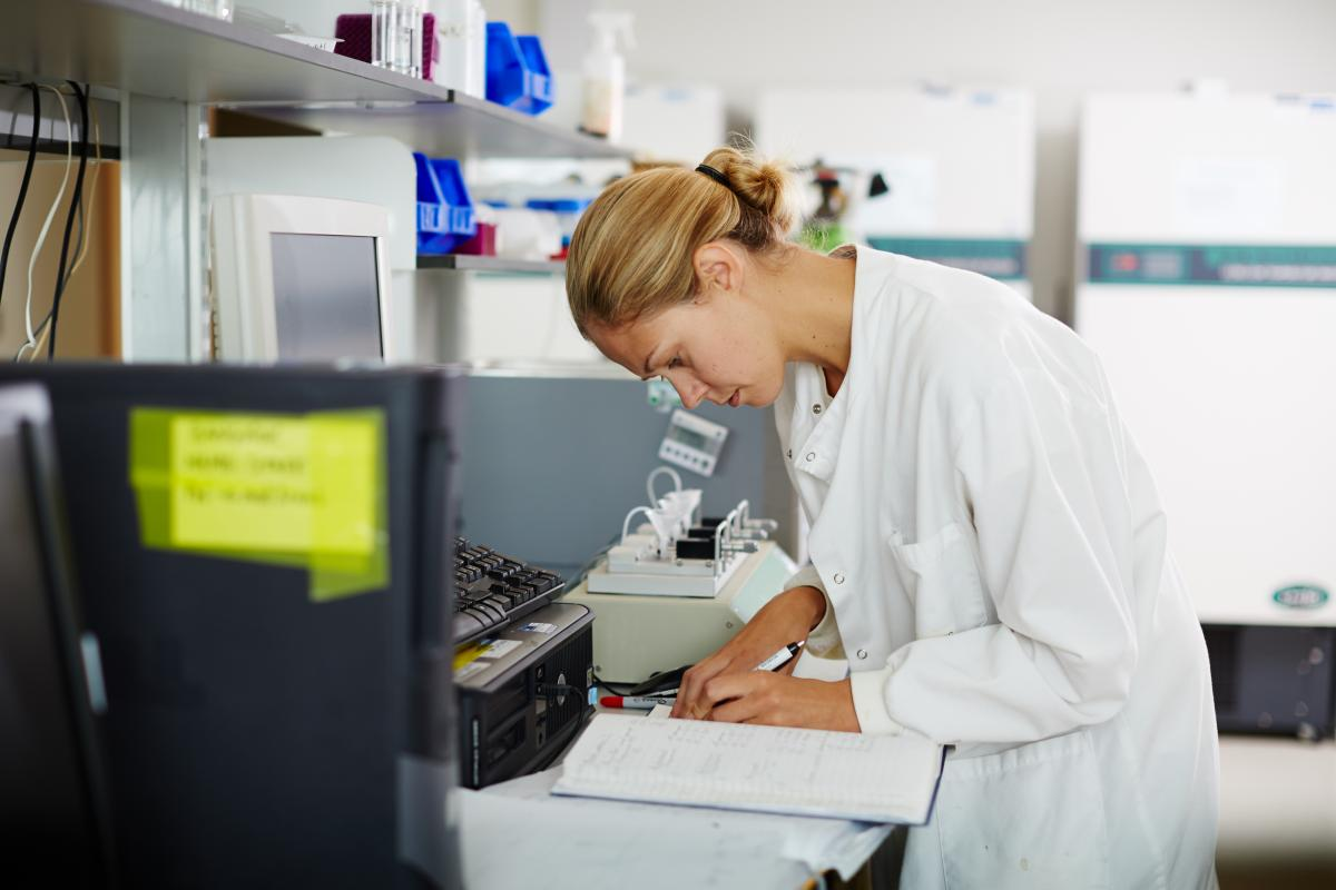 A female researcher at a resacher lab